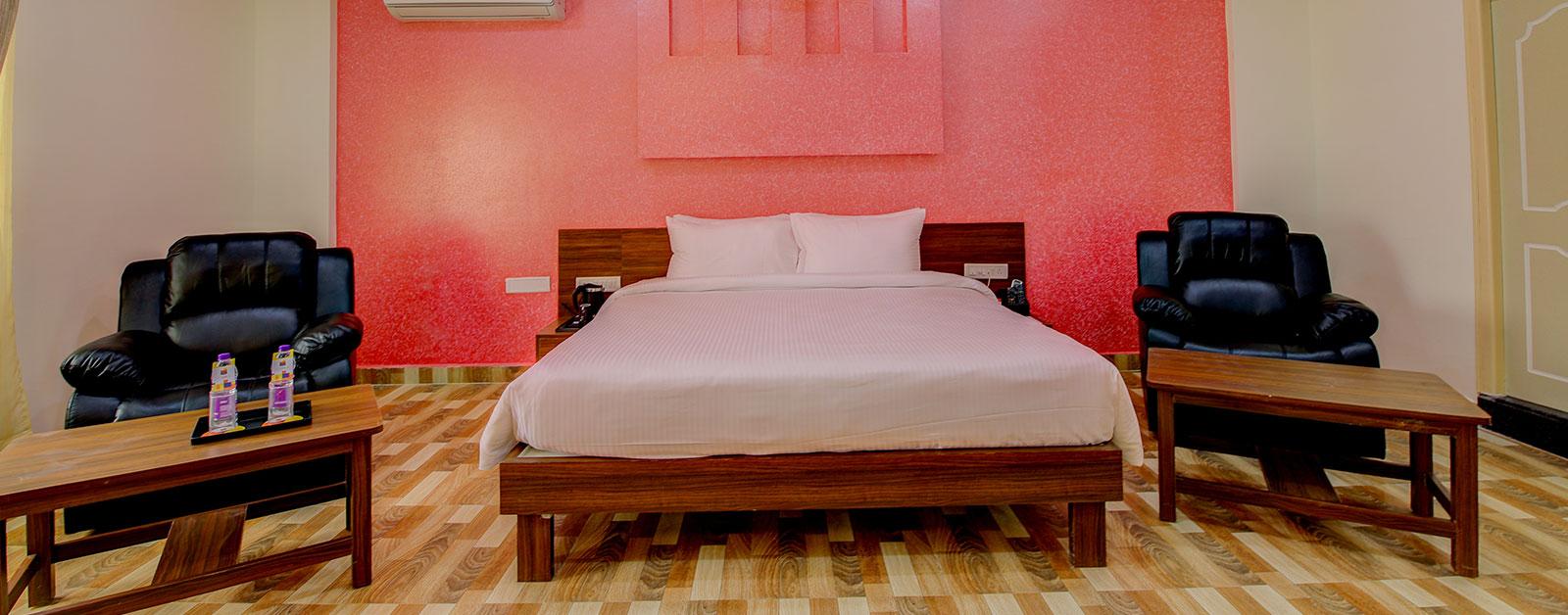 Hotel rooms in Kolar District